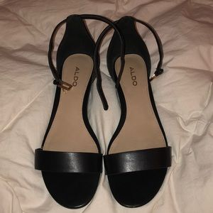 Black Aldo open toe sandals